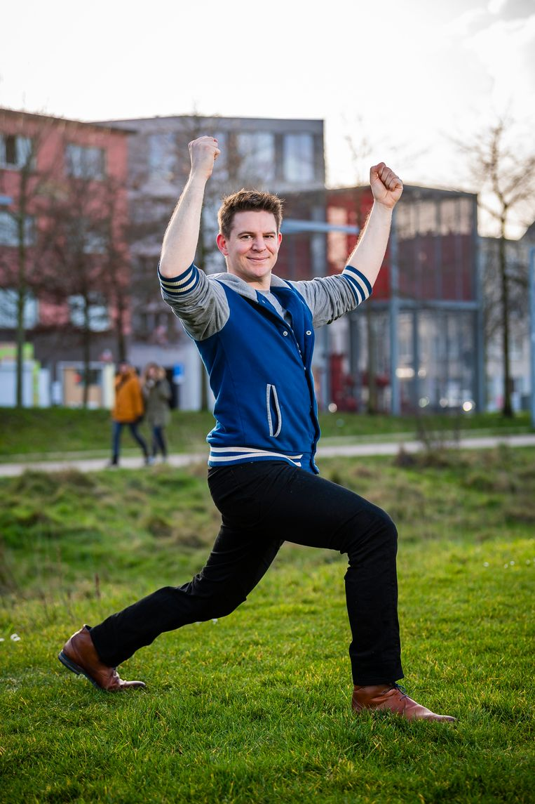 """Ruud Van Thienen:  """"Ik draag een grote verantwoordelijkheid, want duizenden verschillende Vlamingen volgen één en hetzelfde sportschema. Ik heb daarom goed nagedacht over welke oefeningen ik hen kan laten uitvoeren."""""""