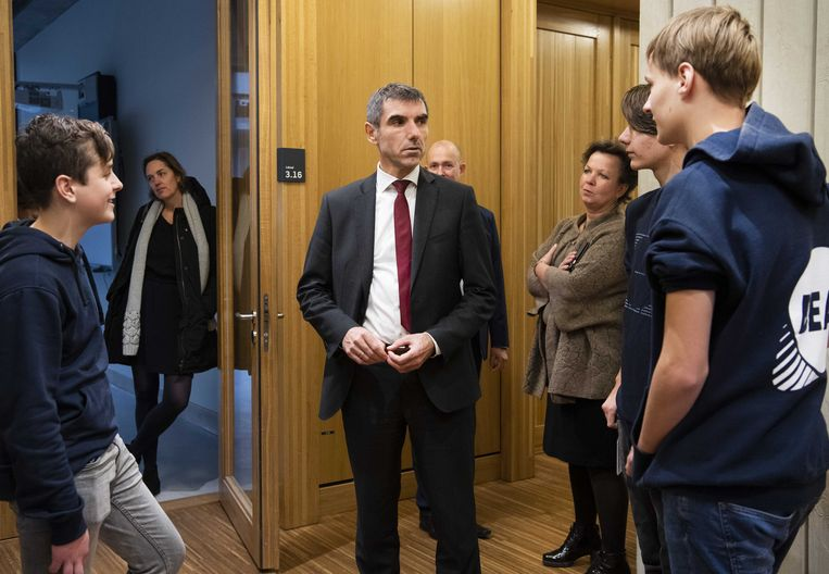 Staatssecretaris Paul Blokhuis (Volksgezondheid, Welzijn en Sport) bezoekt cultureel centrum Rozet Arnhem. Beeld ANP
