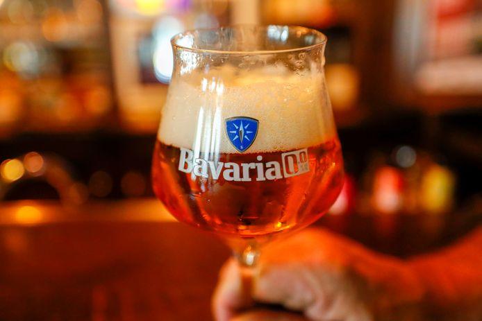 stock bier 0,0 alcohol bavaria pils drank alcoholvrij schuim bar cafe restaurant glas feest bruiloft drankmisbruik controle drager bierglas