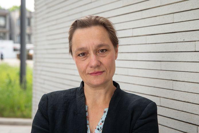 Infectiologe en voormalig GEES-voorzitter Erika Vlieghe zou volgens viroloog Marc Van Ranst zeer geschikt zijn voor de job van coronacommissaris.