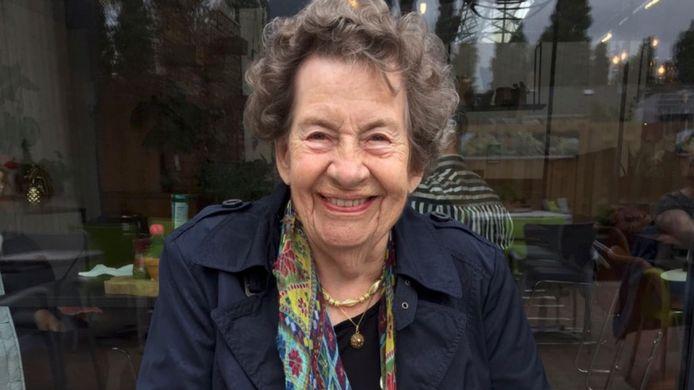 Martha Diepens, met een tas vol contanten naar de Veluwe