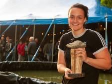 Rolstoelbasketbalster Xena Wimmenhoeve (19) eerste Kei van Wijhe