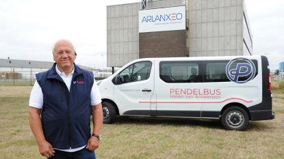 Extra pendelbussen ingezet om werknemers veilig naar de haven te brengen
