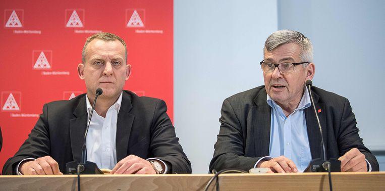 """Roman Zitzelsberger (links) zegt dat IG Metall op essentiële punten resultaat heeft behaald. """"We hebben als cao-partner in Baden-Württemberg het bewijs geleverd dat we belangrijke thema's weloverwogen kunnen regelen."""""""