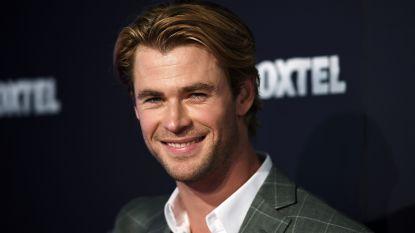 VIDEO. Chris Hemsworth neemt lifter mee... per helikopter