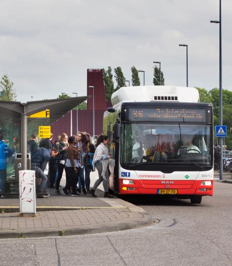 'We willen af van contant geld in de bus'