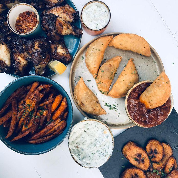 Au menu des plats à partager : ailes de poulet, kamudele, samoussa ou encore makemba.