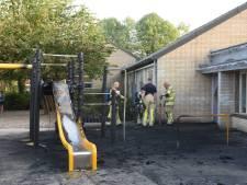 Zwarte rook trekt over Lunetten door brand op schoolplein