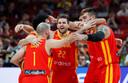 Vreugde bij de basketballers van Spanje.