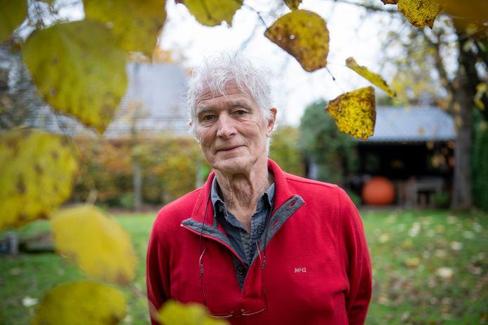 """Hans de Kort stelt dat hij opkomt voor agrarische familiebedrijven. ,,De gemeente zegt dat ze een megastal niet kan weigeren. Ik zoek dat uit en constateer dat het wel kan."""""""