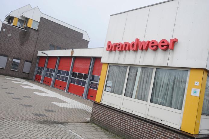 De oude  brandweerkazerne aan de Leeuweriksweg in Uden. De brandweer wacht op de bouw van een nieuw 'spuithuis'aan de Hockeyweg naast het nieuwe politiebureau.