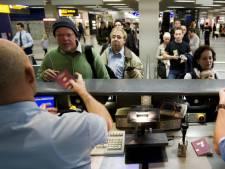 Burgermarechaussees gaan paspoorten controleren op Nederlandse vliegvelden