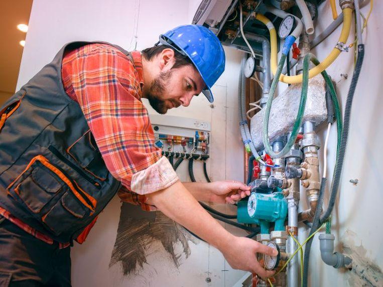 Gaslekken of -ontploffingen komen vaak voor bij installaties die te oud zijn.