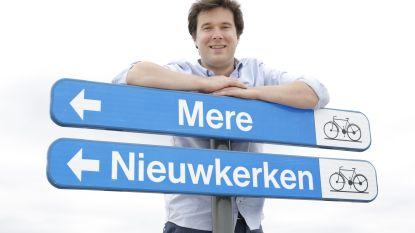 Oeps... Verkeersbord stuurt fietsers naar Nieuwkerken (bij Sint-Niklaas) UPDATE: foutief bord is vervangen