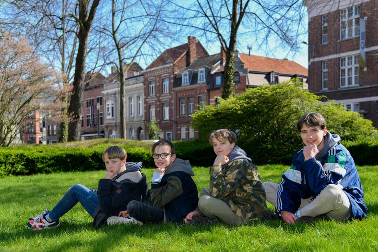 De broers Maarten, Wout, Stan en Lander Cassiman moeten een jaar langer wachten om als Vier Heemskinderen door de stad te rijden.