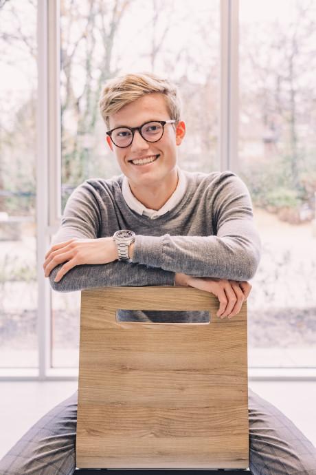 Jort (16) draagt het liefst een pak en is ondernemer: 'Jongeren dénken niet out of the box, we zíjn het!'