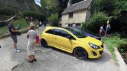 Oogverblindend geel eerbetoon voor vernield 'oerlelijk' autootje