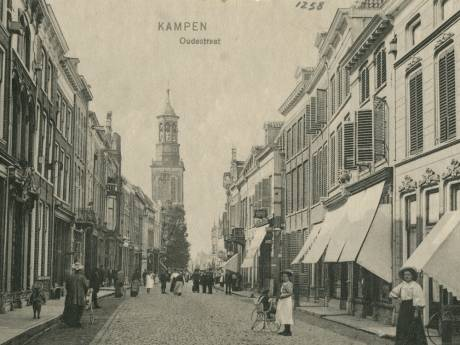 Zoek zelf de verschillen: historische foto Hanzestad Kampen nu en een eeuw geleden