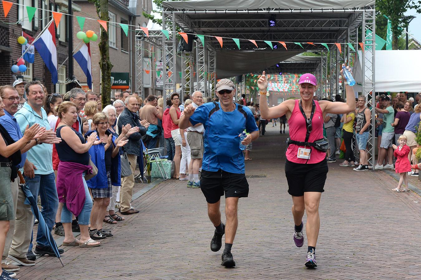 De doorkomst van de Vierdaagse in 2016 in Mill. Stichting Ontdek Mill hoopt dat dit in 2021 wederom gebeurt.