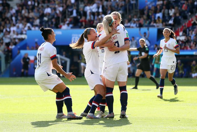 Vreugde bij de Verenigde Staten na de 2-0.
