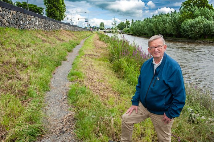 Gouda, Paul van Winkel, en met hem veel meer natuurgenieters, vragen zich af waarom het Struinpad tot aan de grond is gemaaid.