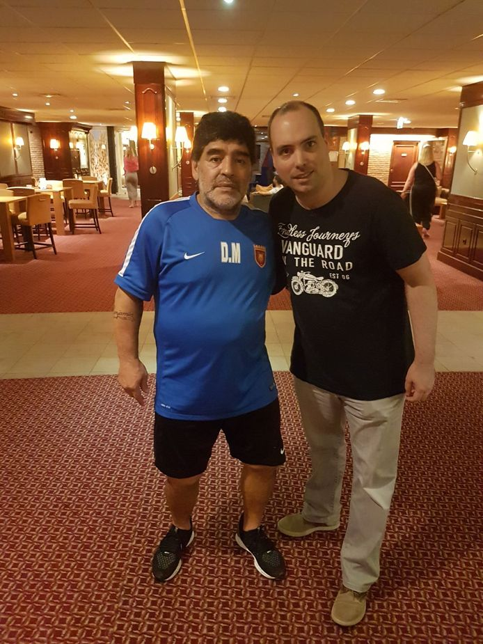 Pieter van Molken met Diego Maradona.
