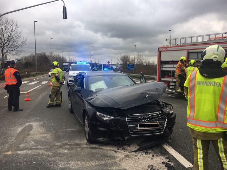 De Audi raakte vooraan beschadigd.