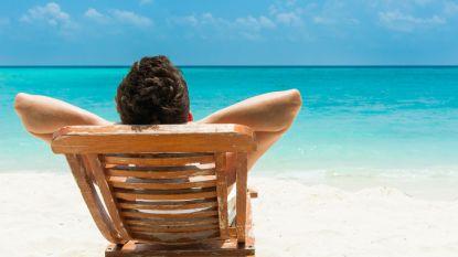 Ben jij graag lui? In deze job kan je hele dag relaxen in strandstoel