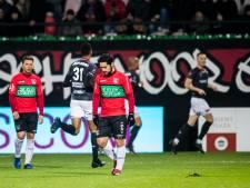 Boze NEC-fans houden uitvaart om slechte resultaten: 'Onze club is ter ziele gegaan'