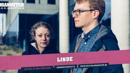 Neofolk en babypunk door Linde in kerk Vlekkem