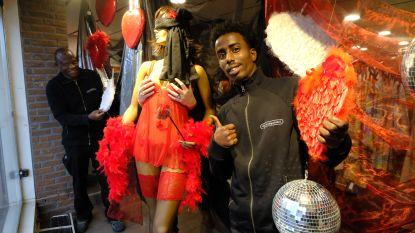 Vlaming moffelt seksspeeltjes vaak weg tussen oude kleren: Kringwinkel organiseert Boetiek Erotiek