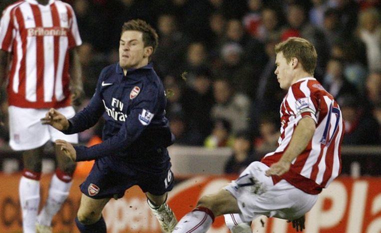 Shawcross brak in 2010 het been van de toen 19-jarige Ramsey.