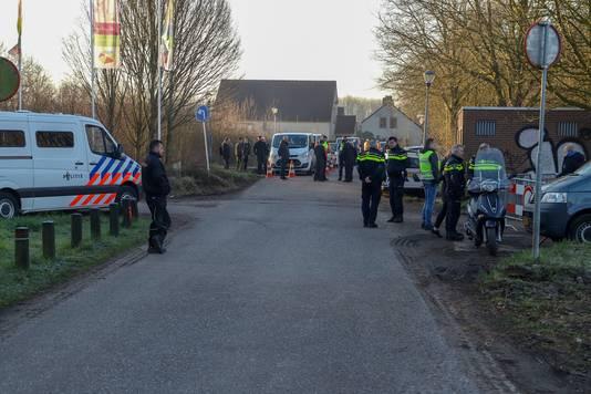 Controles van politie en gemeente Beuningen op recreatiepark De Groene Heuvels.