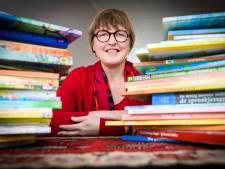 Deze vrouw houdt al 5 jaar voorleesfeestjes in Dordrecht: 'We zijn de brengers van iets leuks'