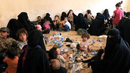 """""""Meer dan 1.300 vrouwen en kinderen van jihadisten in de gevangenis in Irak"""""""