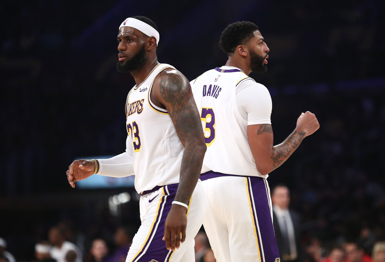 Anthony Davis (rechts) moet LeBron James (links) bijstaan in de titeljacht van LA Lakers.