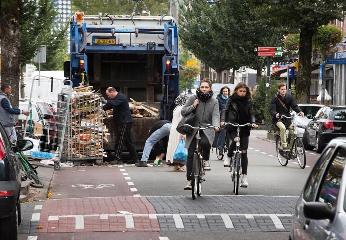 Drukte in de Kanaalstraat in Utrecht