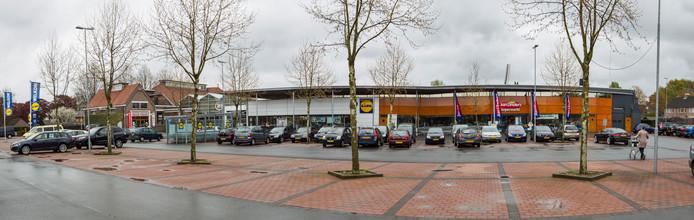 Het winkelcomplex aan de Kerkstraat 30 in Someren.