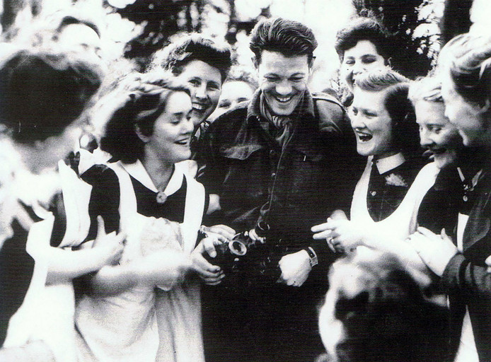 Deventer verwelkomt de Canadese bevrijders in april 1945.