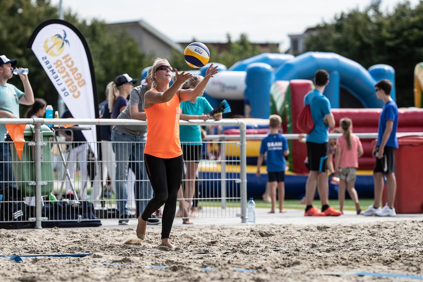 De velden voldoen aan de hoogste eisen van de verschillende sportbonden en zijn daarmee geschikt om wedstrijden van het allerhoogste niveau naar Duiven te halen.