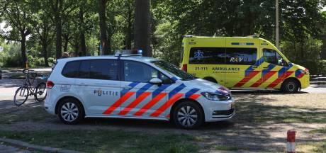 Fietser gewond na botsing met auto in Oss