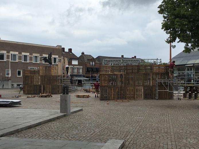 De opbouw van het festival is in volle gang