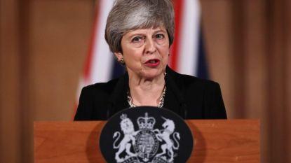 """""""Is dit nu je geweldige idee?"""" Britse pers kritisch voor premier May en haar uitgestoken hand naar Labour"""