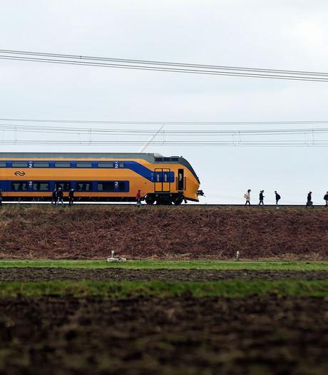 Storm laat ravage achter in West-Brabant, politie krijgt 1500 meldingen