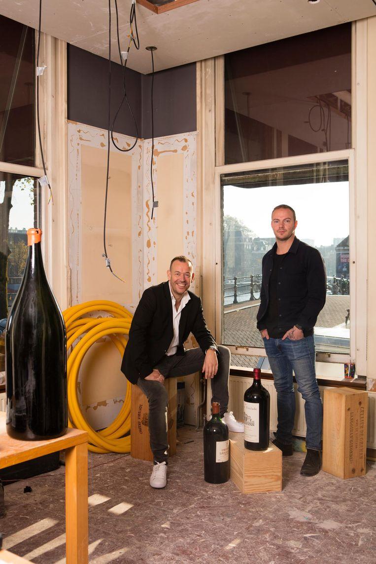 Chef-kok Richard van Oostenbrugge en souschef Thomas Groot Beeld Jaap Scheeren