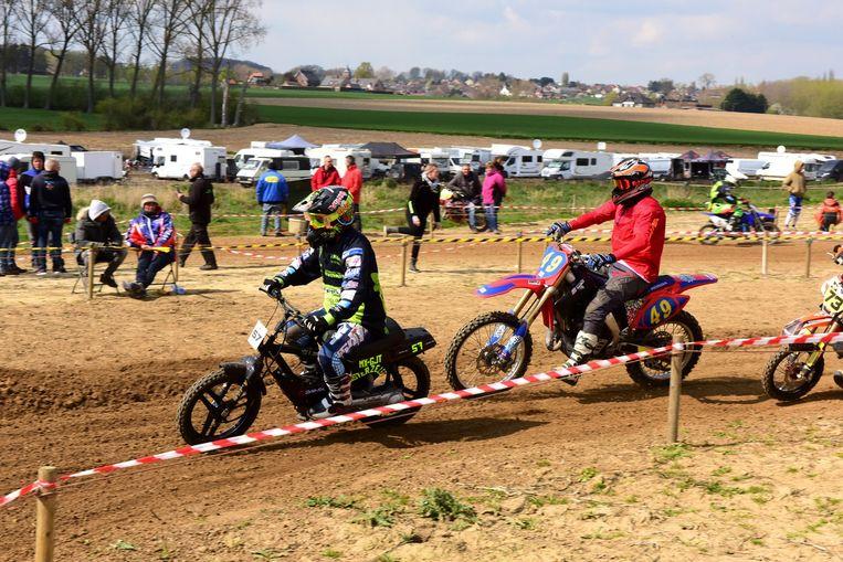 De gemeente heeft beslist dat er per jaar slechts één motorcross kan plaatsvinden op hun grondgebied