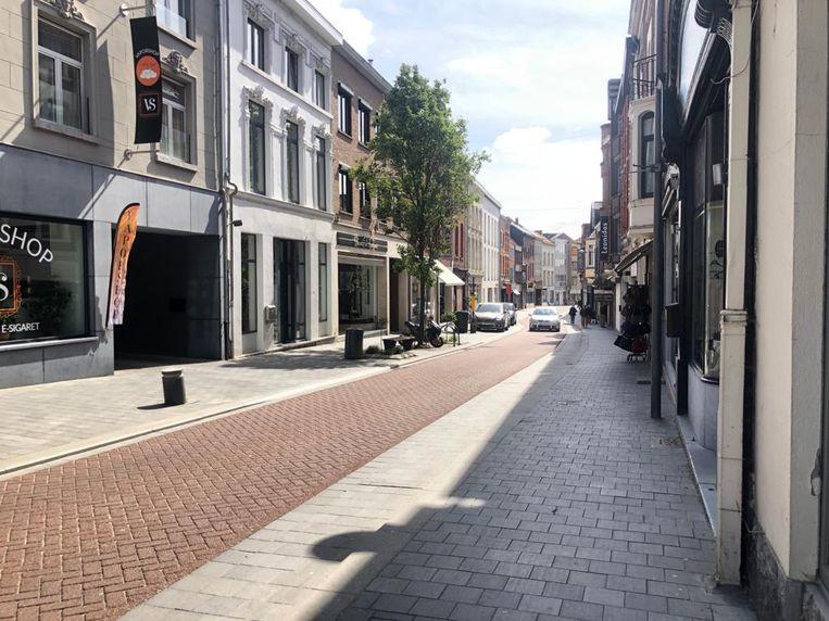 Nog niet bijzonder veel klanten te bespeuren in de Tiense Leuvensestraat.