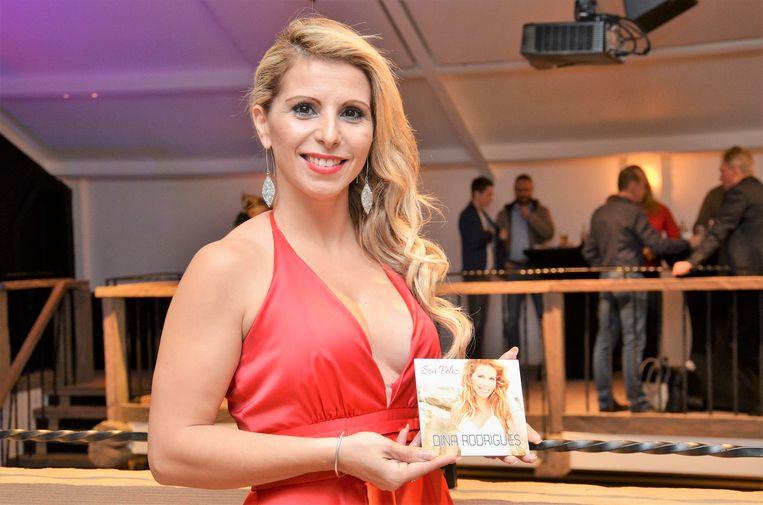 Dina Rodrigues brengt een ode aan haar idool Celine Dion.