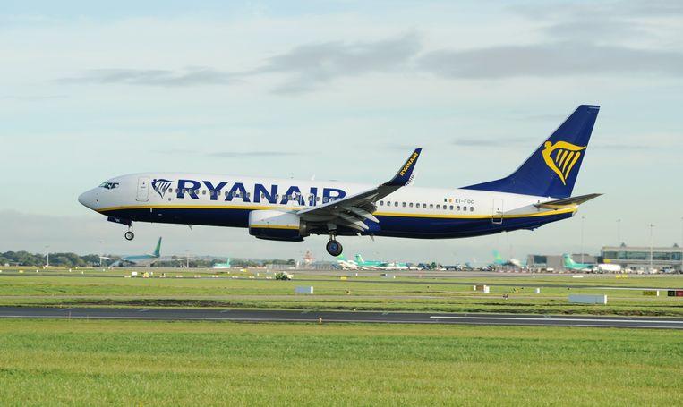 Een Ryanair Boeing 737 EPA/AIDAN CRAWLEY Beeld EPA