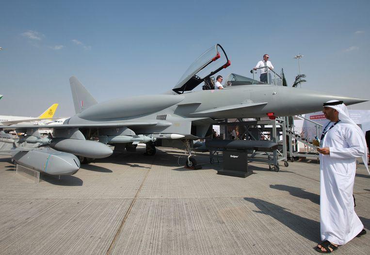 Een Eurofighter op de luchtvaartbeurs van Dubai in 2013.  De door vier Europese landen ontwikkelde straaljager is populair bij luchtmachten in het Midden-Oosten.  Beeld EPA